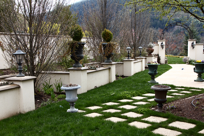 Cool Pathways. Cool Pebble Design Ideas For Your Courtyard. We ...